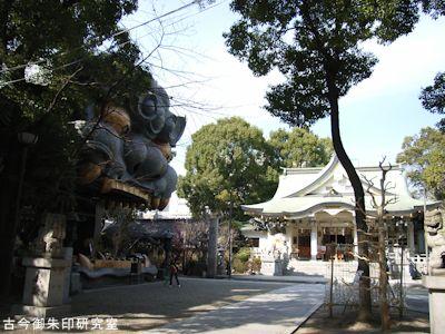 難波八阪神社境内