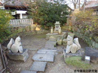 高砂神社、ひょうたん池と弁財天