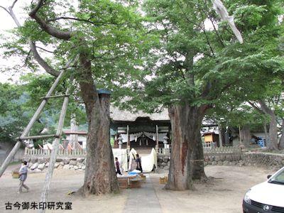 加茂神社(長野)境内