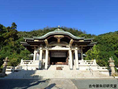 沼名前神社拝殿