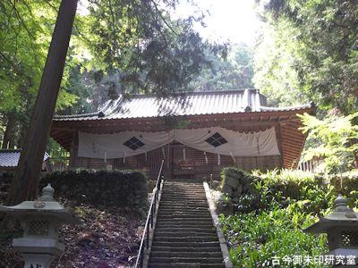 武田八幡宮拝殿
