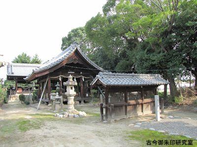 大神社蕃塀と拝殿