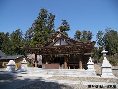 安良川八幡宮拝殿
