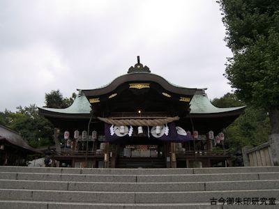 石清尾八幡宮下拝殿