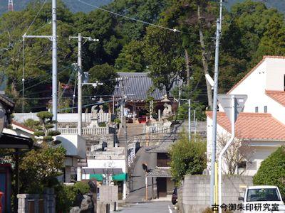 川上神社遠景