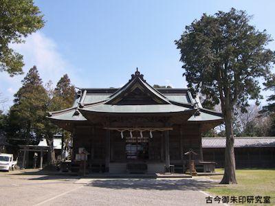 鶴谷八幡宮拝殿