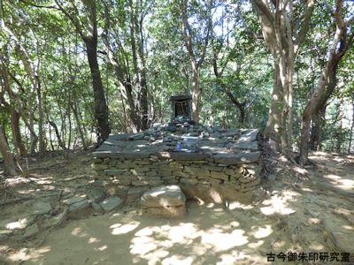 奥宮の祭壇